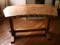 東京都ミズメ一枚板テーブル